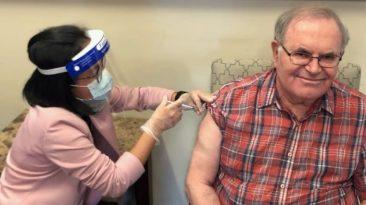 vacunación Ontario adultos mayores
