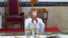 Sacerdote latino en Canadá