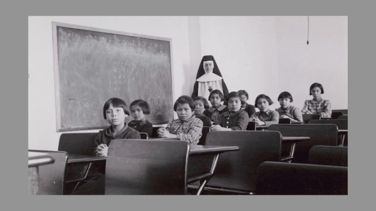 Iglesia disculpas indígenas escuelas residenciales Canadá